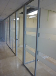 Wall partition system for offices