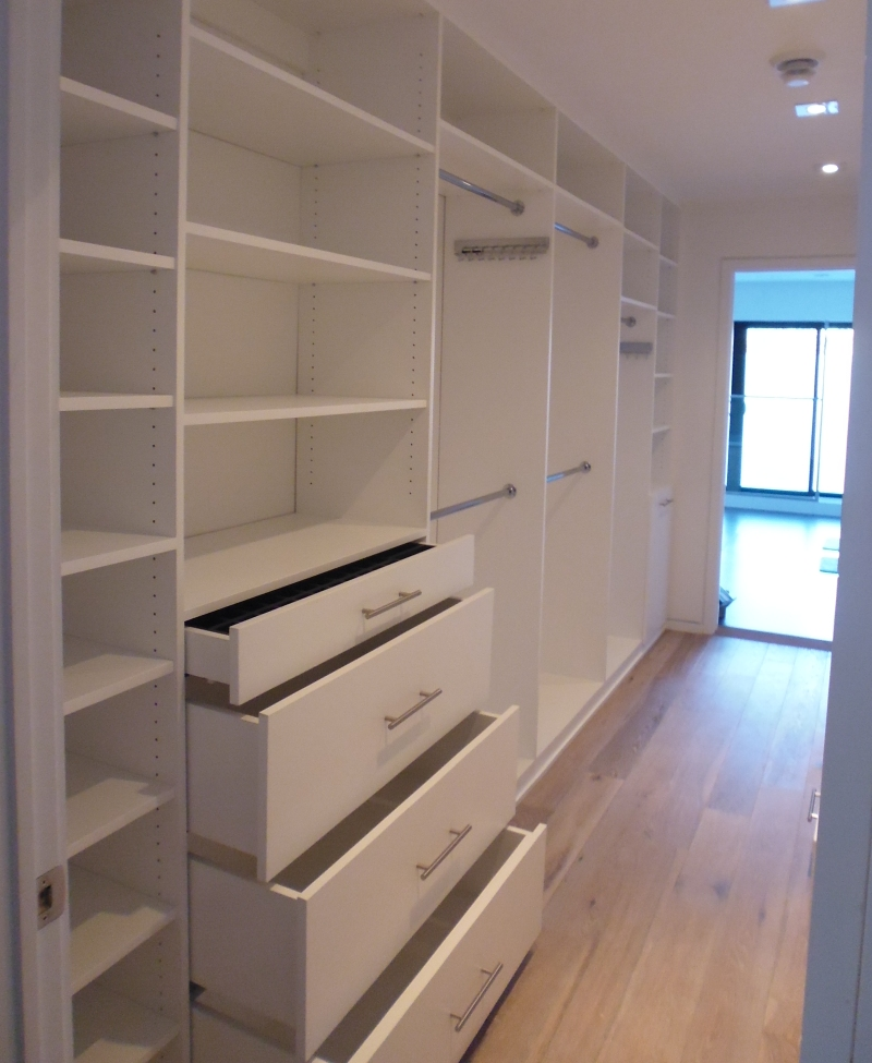 Walk in closet komandor for How to build a walk in closet step by step