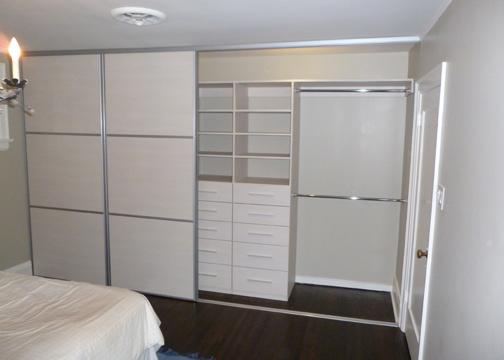 Woodline Creme Reach In Closets